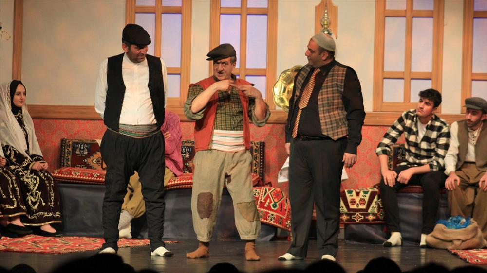 Büyükşehir'den tiyatro ziyafeti