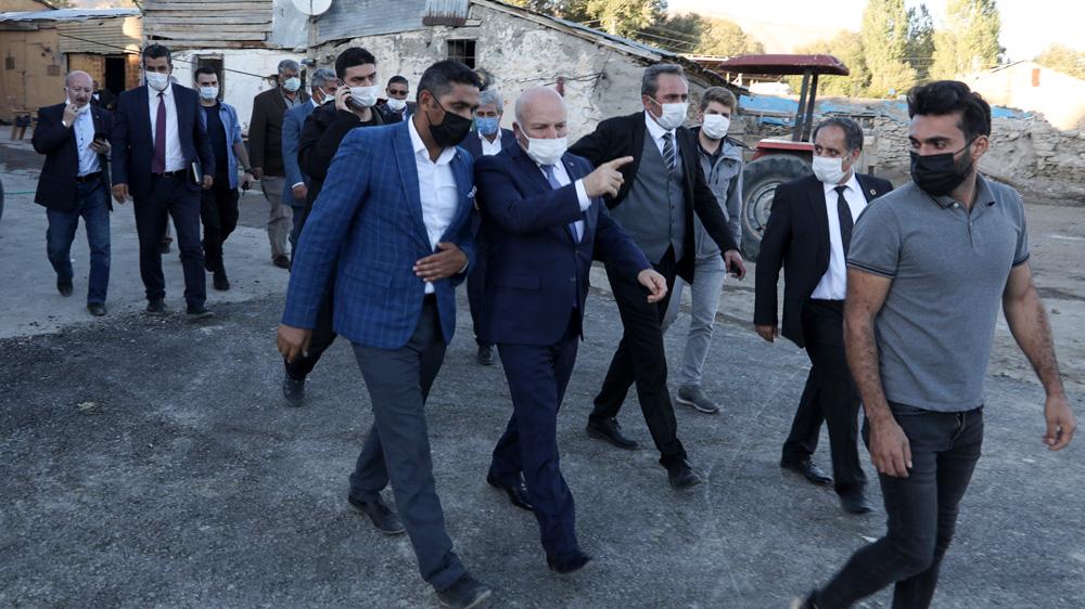 Başkan Sekmen'den Karayazı ve Karaçoban çıkarması